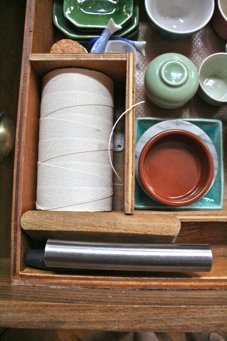 Kitchen string (in its drawer)
