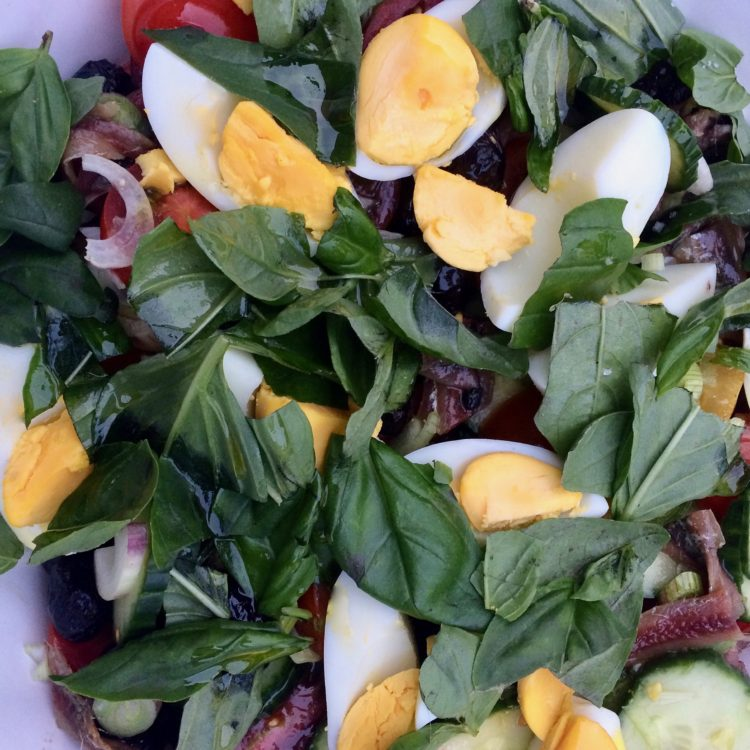 Salade Niçoise Authentique